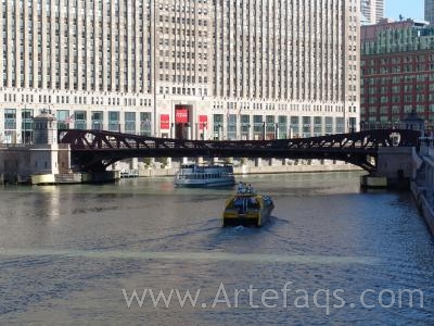 Photograph of Franklin Street Bridge - Chicago, Illinois