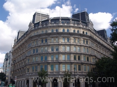 Photograph of Grand Buildings - London, England