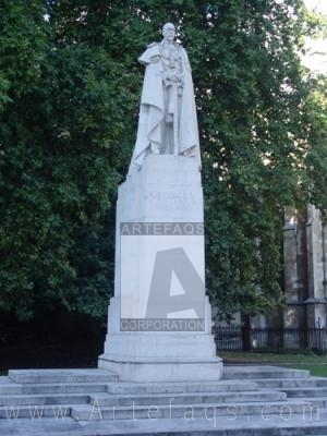 Stock photo of King George V Statue - London, England