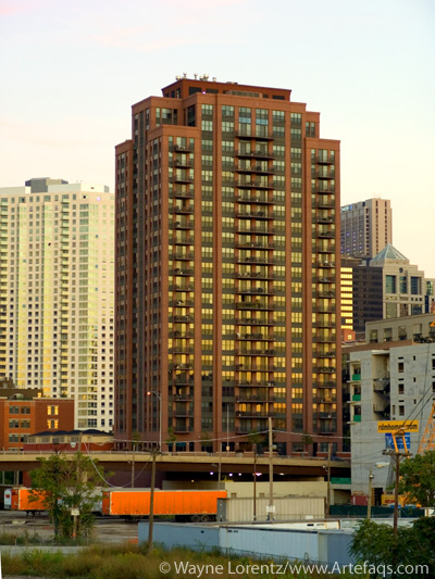 Photograph of Kinzie Station Tower - Chicago, Illinois