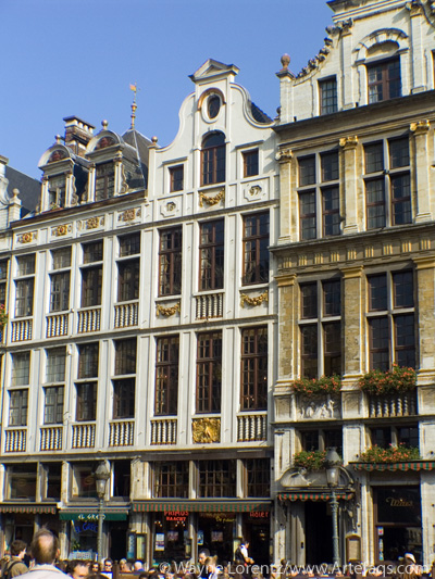 Photograph of Le Chene and Le Paon - Brussels, Belgium