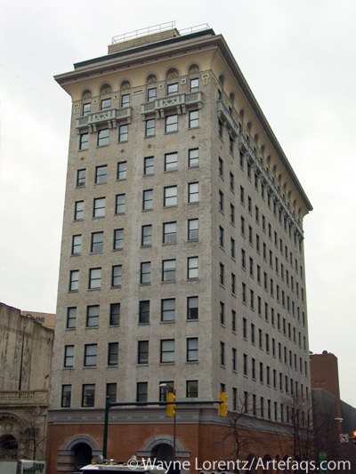 Photograph of American National Bank Building - Richmond, Virginia