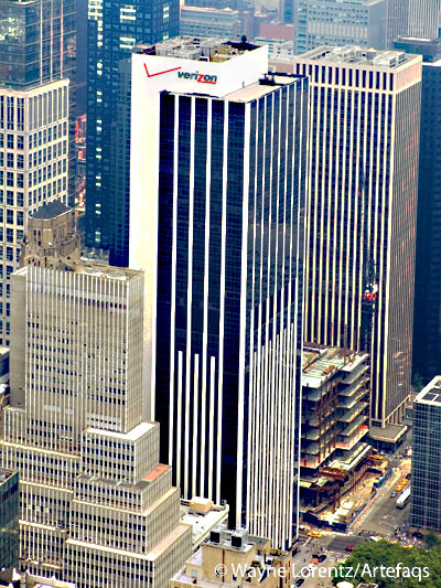 Stock photo of 1095 Avenue of the Americas - New York, New York