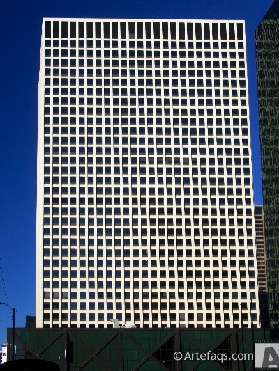 Photograph of 222 South Riverside Plaza - Chicago, Illinois