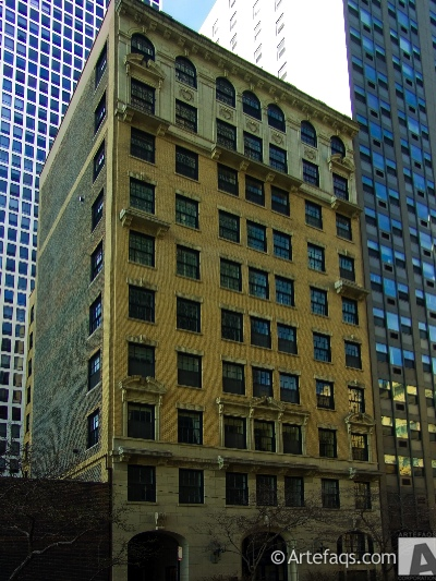 Photograph of 257 East Delaware Place - Chicago, Illinois