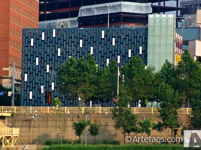 Photograph of Fort Duquesne and Sixth Parking Garage - Pittsburgh, Pennsylvania