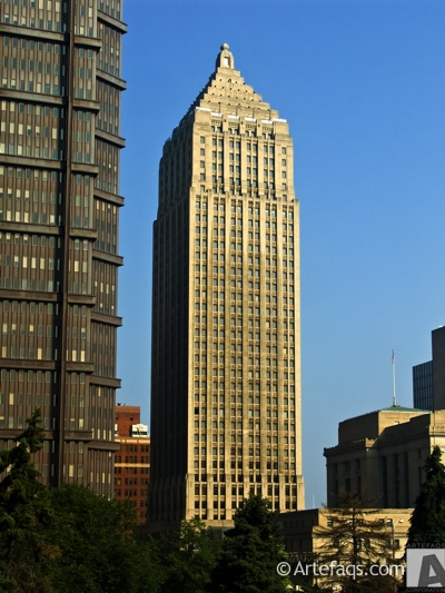 Photograph of Gulf Tower - Pittsburgh, Pennsylvania