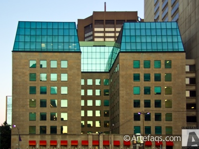 Photograph of 375 University Avenue - Toronto, Ontario