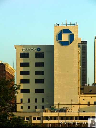 Photograph of Chase Bank Building - Peoria, Illinois