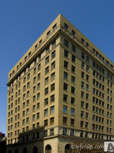 Stock photo of 2100 Lincoln Park West - Chicago, Illinois