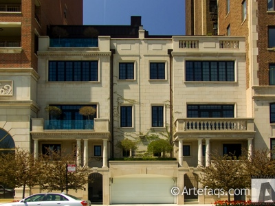 Photograph of 2124-2126 Lincoln Park West - Chicago, Illinois