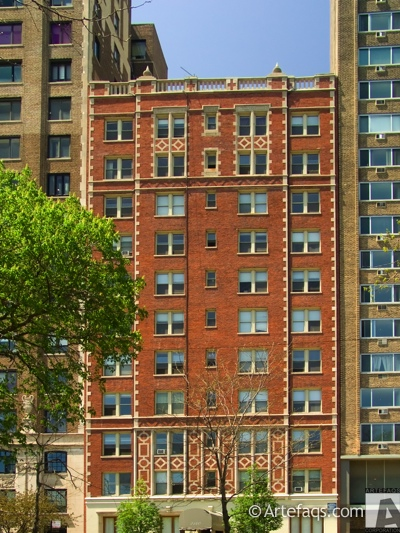 Photograph of 2140 North Lincoln Park West - Chicago, Illinois