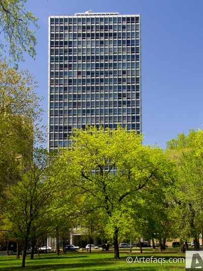 Stock photo of 2400 North Lakeview Avenue - Chicago, Illinois