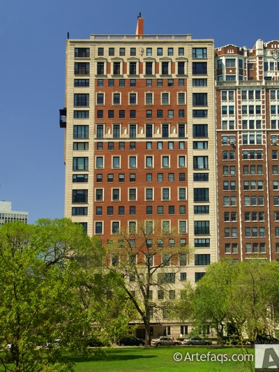 Photograph of 2430 North Lakeview Avenue - Chicago, Illinois