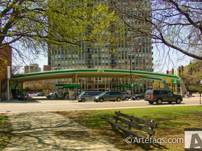 Photograph of BP Gas Station - Chicago, Illinois