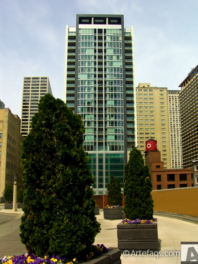 Photograph of Avenue East - Chicago, Illinois
