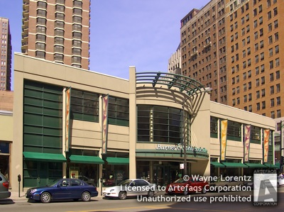 Photograph of Barnes and Noble (Chicago Gold Coast)  - Chicago, Illinois