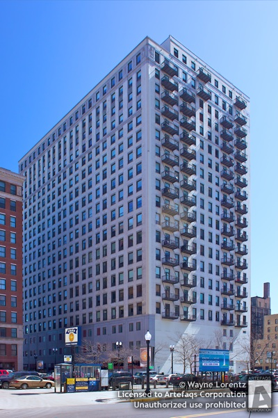 Photograph of Michigan Avenue Lofts - Chicago, Illinois -
