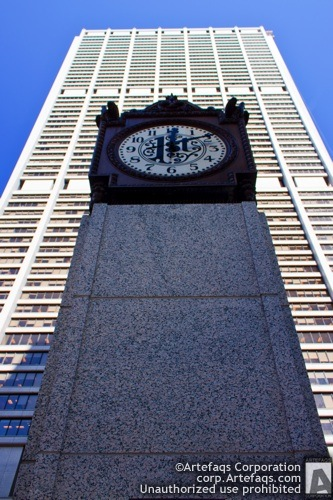 Photograph of First National clocktower - Chicago, Illinois