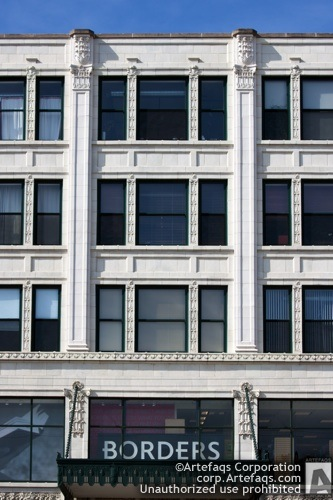 Stock photo of 4715 North Broadway - Chicago, Illinois