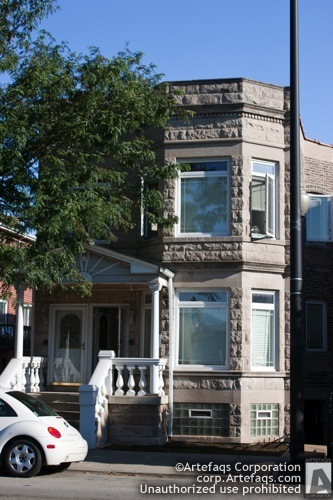 Photograph of 718 West 35th Street - Chicago, Illinois